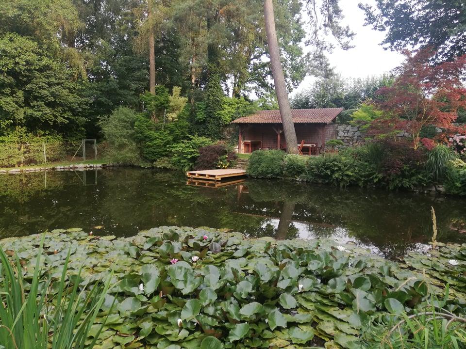 Pergola s výhledem na rybník